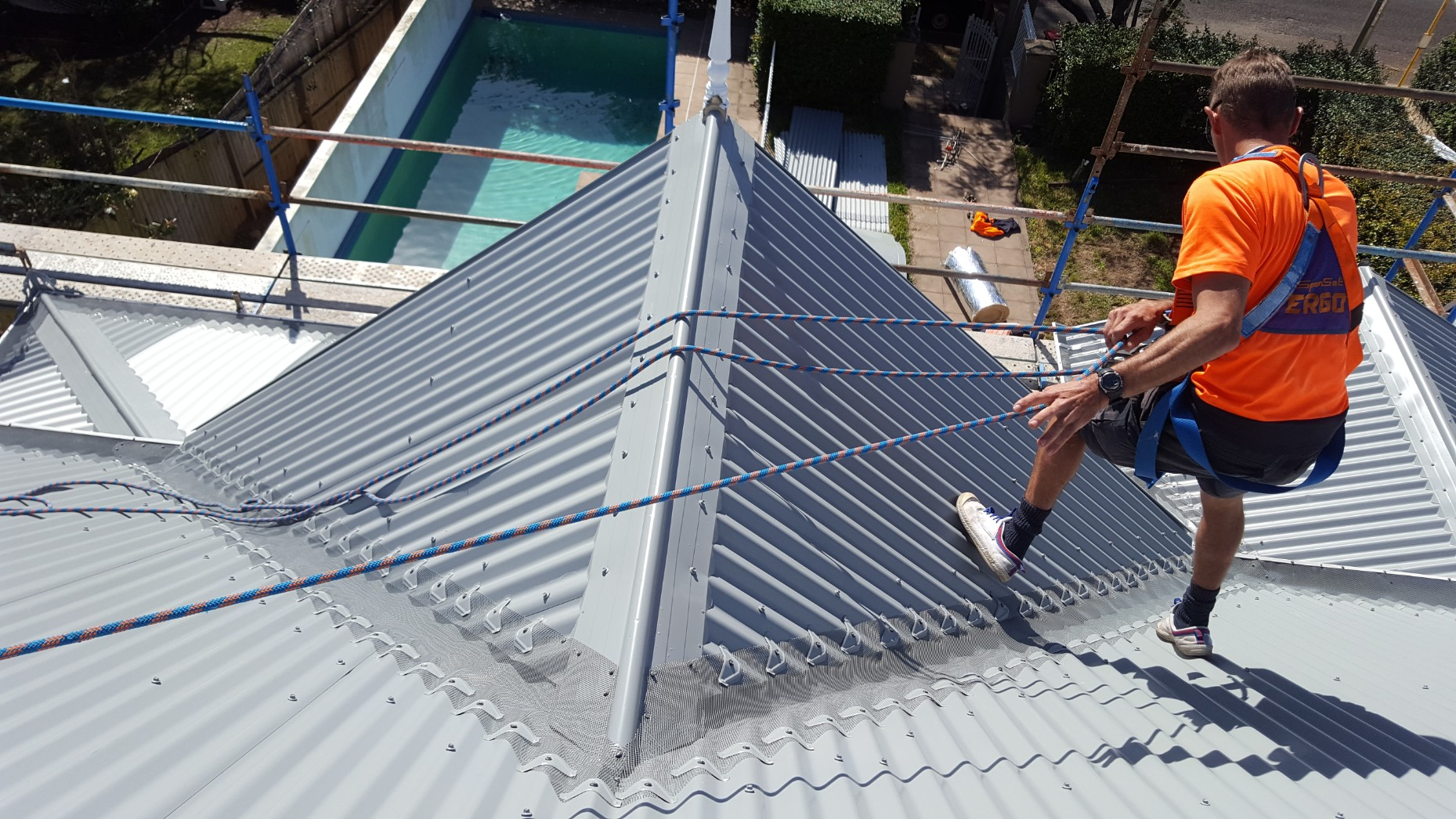Gutter guard corro roof keeping safe